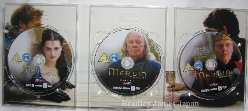 Merlin-uk-completebox_8