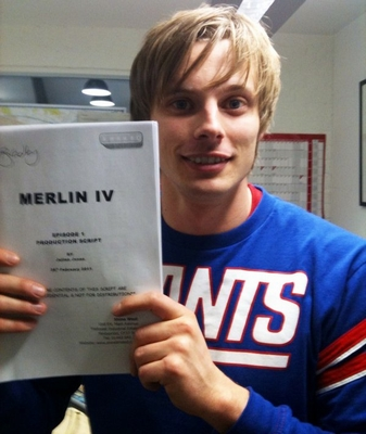 BradleyJames_FB_filmingS4